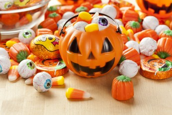 Halloween Candy: How to Minimize the Damage