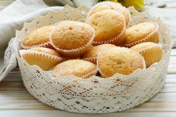 Recipe: Passion Fruit Ricotta Cupcakes