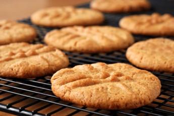 Recipe: Low-GI, Gluten-Free Almond Flour Peanut Butter Cookies